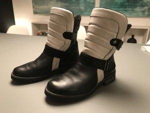 Kurt Geiger Boots Gr 39 schwarz weiß