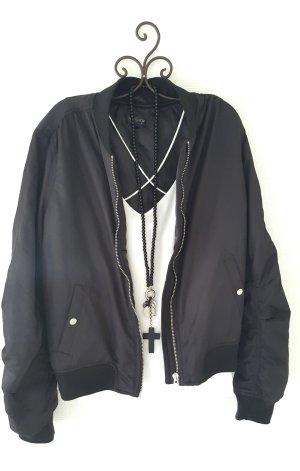 Kurz geschnittene Jacke schwarz Gr. 44