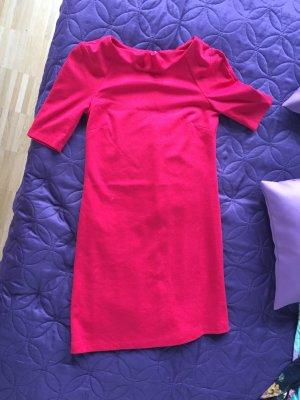 Kurz und Sexy Kleid von Reserved in Größe 36