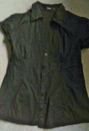 Kurzärmelige schwarze Bluse, Gr. 36, figurbetont