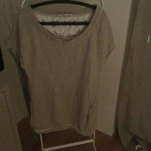 Kurzärmeliger Oversize Pullover mit Rüschendetail  von Kontatto