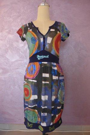 Kurzärmeliges Kleid von Desigual
