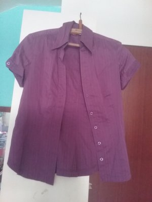 Kurzärmlige Bluse in Lila