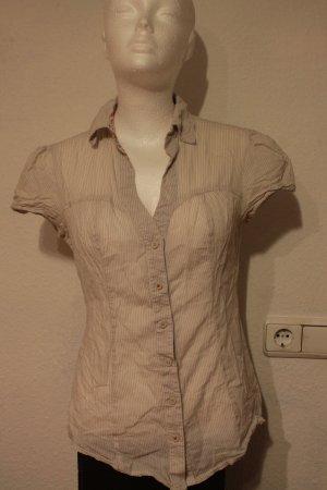 Kurzärmlige Bluse mit Nadelstreifen