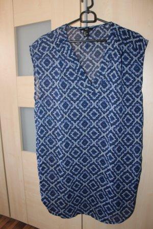 Kurzärmliges blaues Kleid