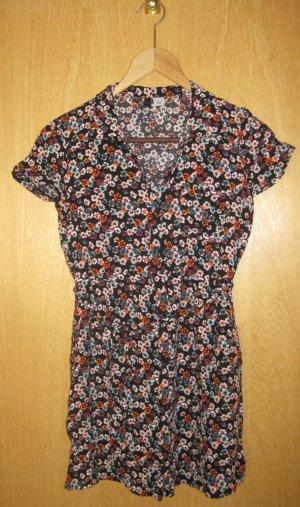 Kurzärmliges schwarzes Hemdblusenkleid mit Blumenmuster