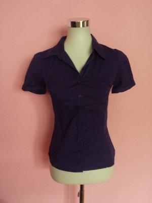 Kurzarm-Bluse in dunkelviolett (K4)