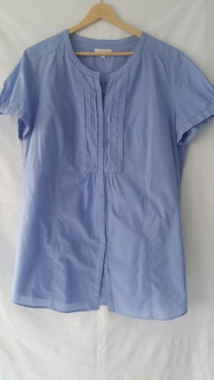 Kurzarm-Bluse in hellblau