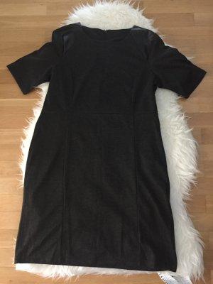 Kurzarm Kleid - Neu -