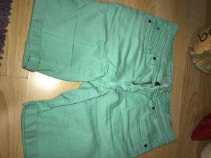 Kurze Bermuda Hose mit Taschen