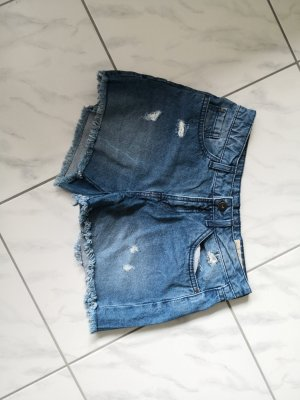 Kurze blaue Hot Pants