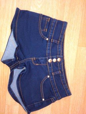 kurze blaue Jeanshose XS