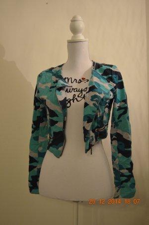 kurze Camouflage-Jacke