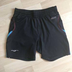 Kurze enganliegende Sporthose