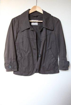 Kurze grau/braune Jacke von Esprit