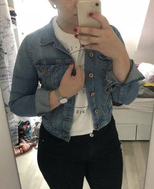 Kurze hellblaue Jeansjacke
