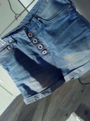 Kurze High-Waist-Shorts