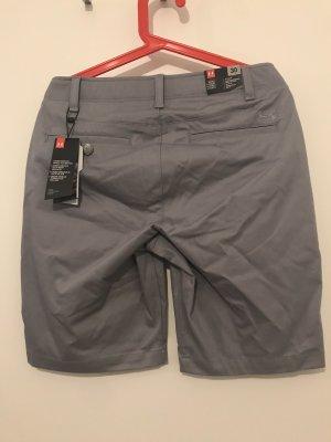 Under armour Shorts color plata-gris