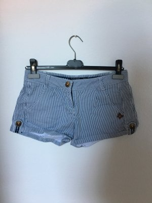 • kurze Hose blau/weiß gestreift •