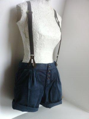 kurze Hose Bundfaltenhose in blau mit Hosenträgern von Zara