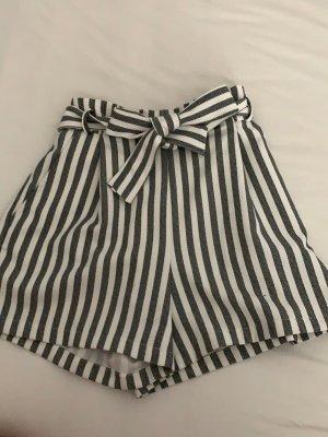 Pull & Bear High-Waist-Shorts white-azure
