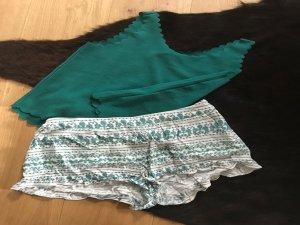 kurze Hose mit passendem Top