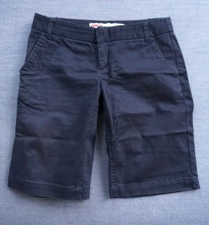 Only Bermudas black