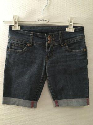 Kurze Hose Shorts Bermuda Jeans Gr. 36 TOP