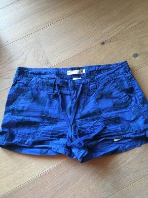 Kurze Hose Shorts Hotpants blau mit Gürtel TOP