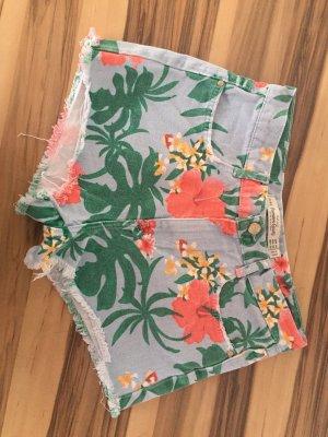 Kurze Hose Shorts von Zara