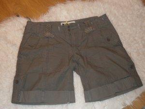 kurze Hose von Pepe Jeans *** khakifarben *** Größe 29 ***