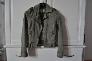 kurze Jacke im Militärstil *_*
