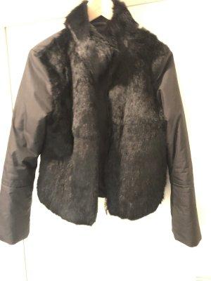 Kurze Jacke mit Fell-Vorderseite von Apriori