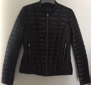 Kurze Jacke von Guess in schwarz