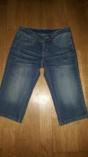 *Kurze Jeans Hose*