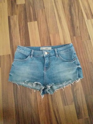 Kurze Jeans mit Fransen Topshop