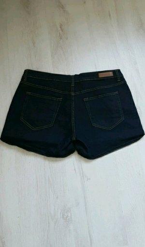 Kurze Jeans Shorts - Neu