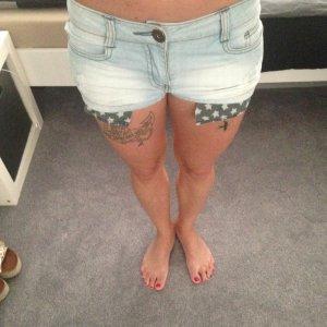 Kurze Jeans-Shorts used Look blau W25 mit Sternen