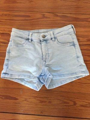 Kurze Jeans von H&M Gr. 32