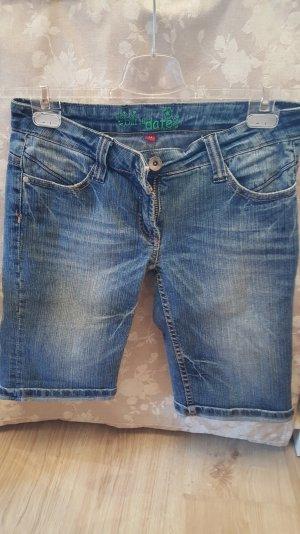 Kurze Jeanshose in Größe M
