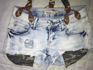 Kurze Jeanshose /Shorts