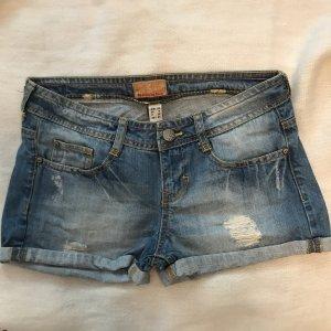Kurze Jeanshose / Shorts