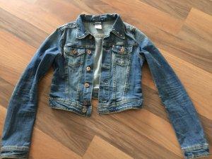 kurze Jeansjacke mit Nieten Größe 34