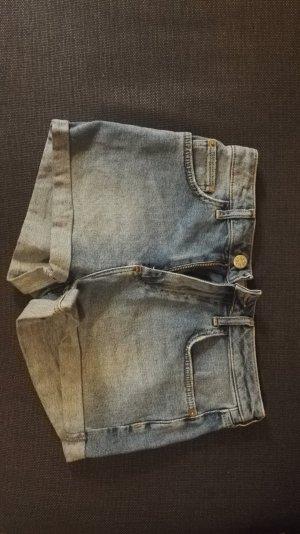 Kurze Jeansshort von BDG
