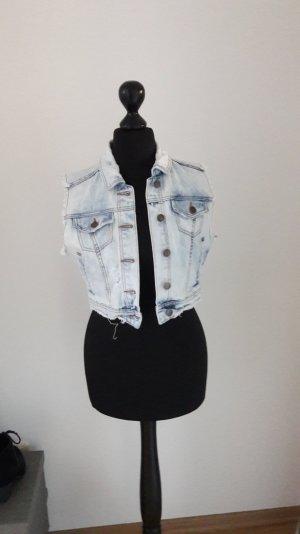 Kurze Jeansweste von Zara