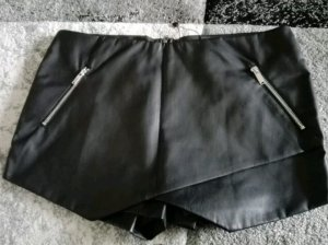 Ann Christine Short Trousers black imitation leather