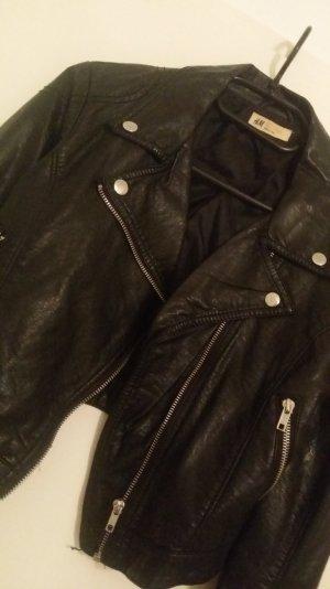 Kurze Lederjacke im etwas Used Look