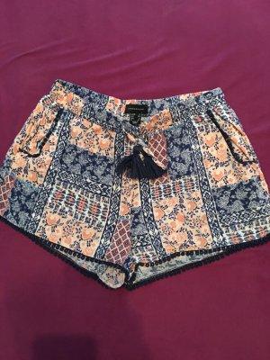 Kurze lockere Shorts