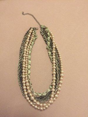kurze mehrgliedrige Halskette
