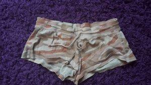 Kurze Short in rosa-kamouflage